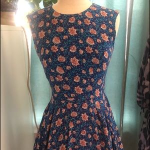 Mini dress blue floral with full skirt